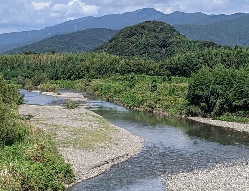 20201001高時川と岡山.jpg