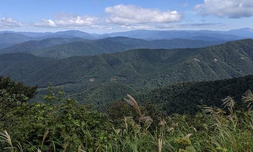 20210912稜線から伊吹から横山岳.jpg