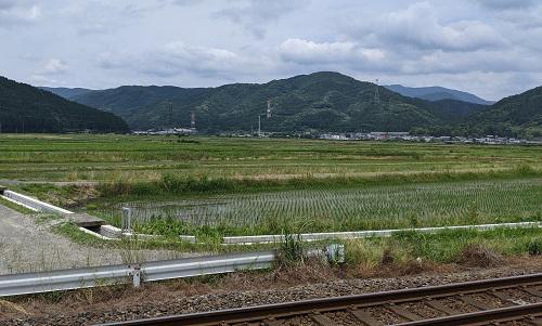 20210613余呉駅から横山岳方面.jpg